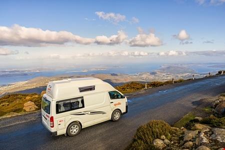 Exterior view - Apollo Motorhome Holidays, Hitop Camper
