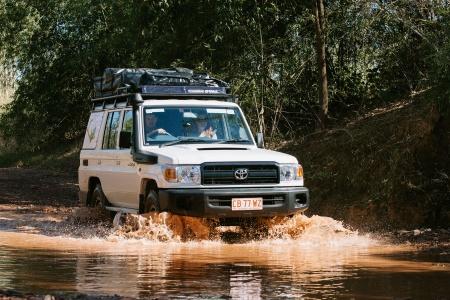 Aussenansicht Britz Safari Landcruiser