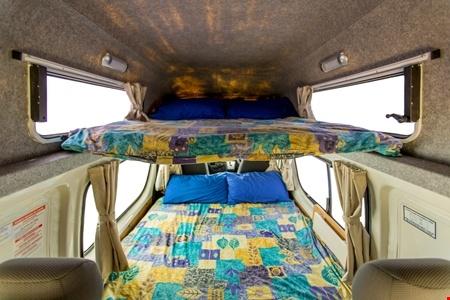 Interior view - Hippie Camper, Hippie Endeavour