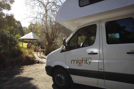 Exterior view - Mighty Campers, Big Six