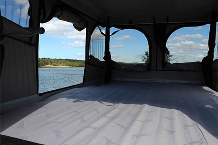 Interior view - Spaceships New Zealand, Beta 4-Berth