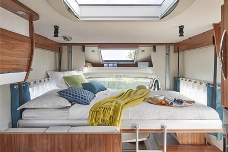 Interior view - Avis Car-Away, Classic B 5-Berth with bunk beds