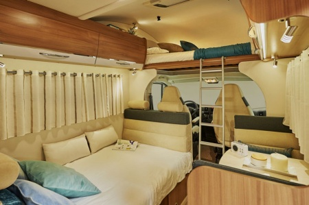 Interior view - Avis Car-Away, Classic C 6-Berth with bunk beds