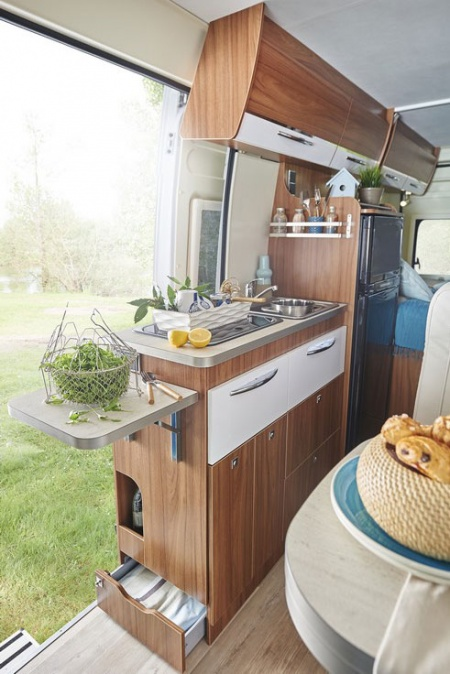 Interior view - Avis Car-Away, Camper Van