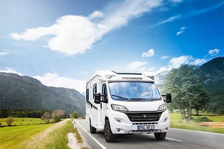 Aussenansicht Bunk Campers Europa 4-Bett Motorhome