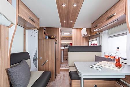 Innenansicht Bunk Campers Europa 4-Bett Motorhome