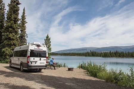 Aussenansicht CanaDream Deluxe Van Camper DVC