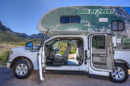 Exterior view - Cruise Canada, T17 Truck Camper