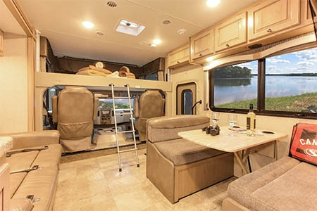 Innenansicht Fraserway RV Rentals A-Luxury