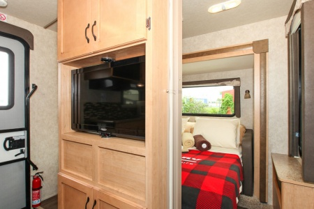Innenansicht Four Seasons RV Rentals Adventurer 4