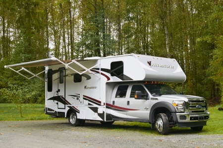 Aussenansicht Four Seasons RV Rentals Adventurer 4
