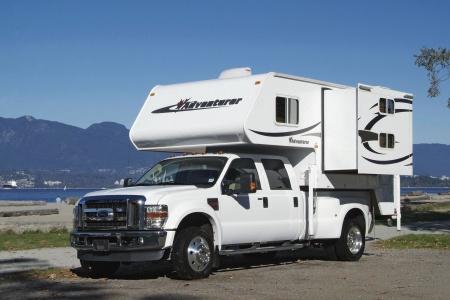 Aussenansicht Fraserway RV Rentals Truck & Camper TCB