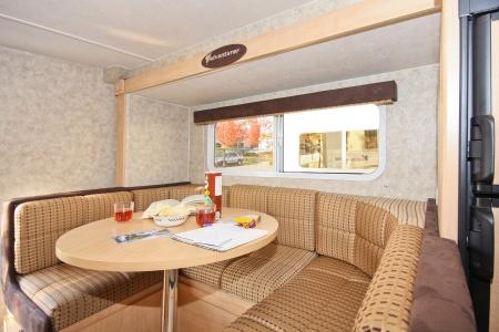 Innenansicht Fraserway RV Rentals Truck & Camper TCS