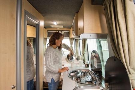 Innenansicht Apollo Motorhome Holidays Euro Tourer