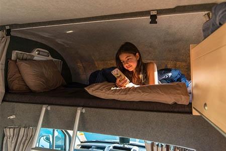 Innenansicht Apollo Motorhome Holidays Euro Camper