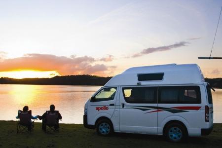 Aussenansicht Apollo Motorhome Holidays Hitop Camper