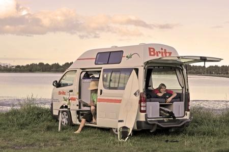 Exterior view - Britz, Hitop Camper