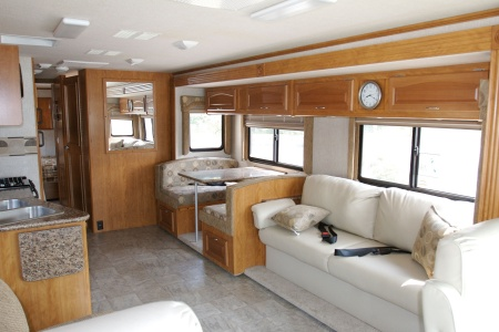 Innenansicht Apollo Motorhome Holidays Elite Traveller