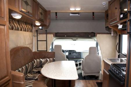 Innenansicht El Monte RV Rentals C22