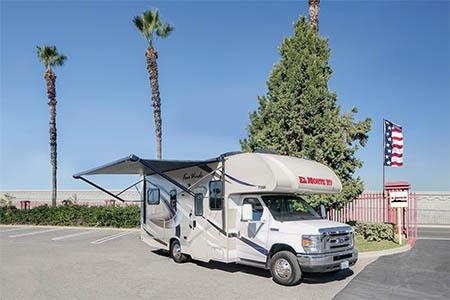 Aussenansicht El Monte RV Rentals C25