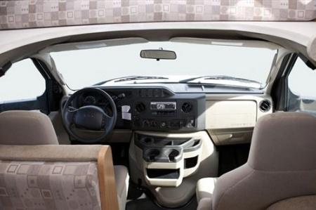 Innenansicht El Monte RV Rentals C25