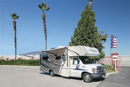 Exterior view - Mighty Campers, Motorhome M22