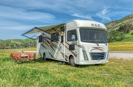 Aussenansicht Road Bear RV A30-32S
