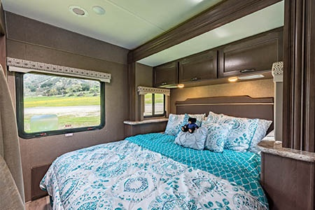 Interior view - Road Bear RV, C25-27S